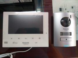 Bộ chuông cửa có hình Panasonic VL-SV74